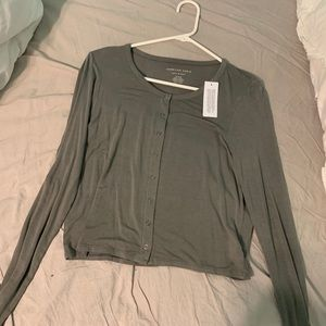 Long sleeve mid length top